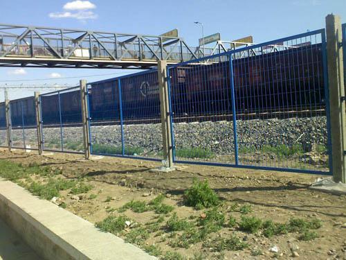 铁路围栏网案例